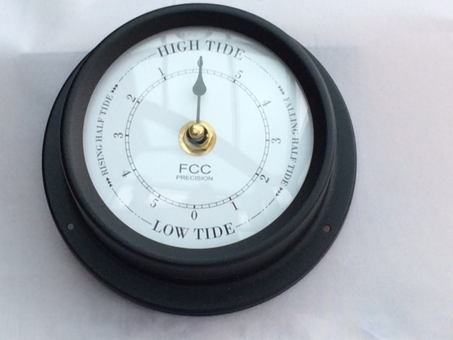 Black Tide Clock 125mm